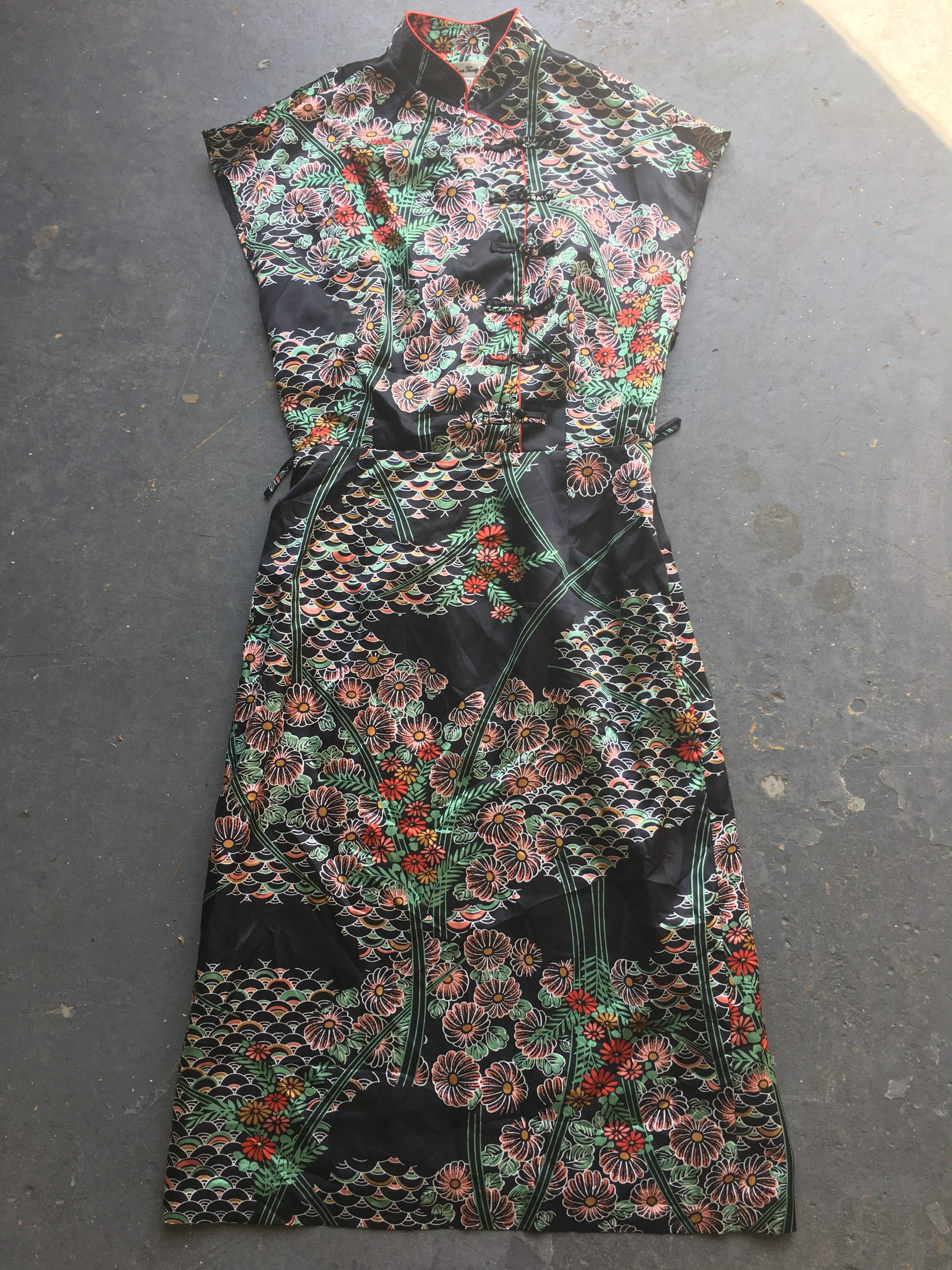 10 x Vintage Oriental Dress
